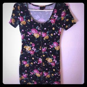 Material Girl Dresses & Skirts - 90s inspired Floral print dress