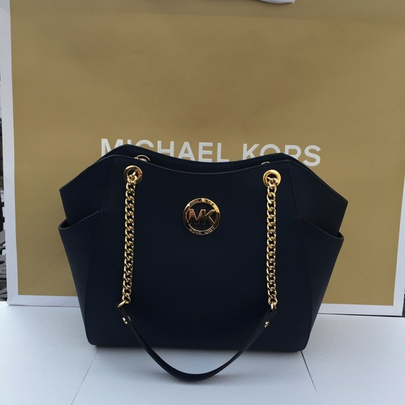 1647060c3693 Michael Kors Bags | Jet Set Travel Chain Tote | Poshmark