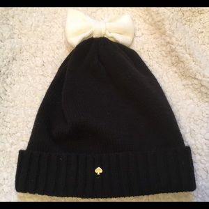 0353d1545dc388 kate spade Accessories - Kate Spade Colorblock Bow Beanie Winter Hat - NWT