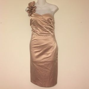 One shoulder sweetheart metallic rose dress 