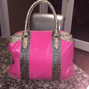 AWESOME 👛 Fendi hot pink bag! Great condition!
