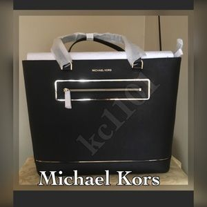 Michael Kors Handbags - Michael Kors Tote black.