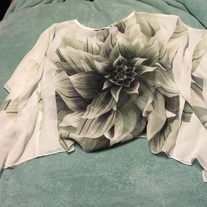 Moa Moa Tops - Beautiful sheer floral top