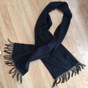 Better than Cashmere Accessories - Nordstrom NWOT fringe scarf 🖤🌟