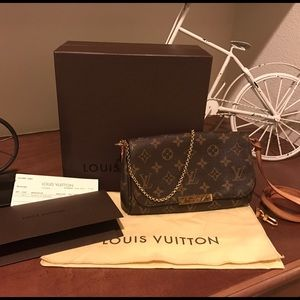 Louis Vuitton Handbags - Authentic Louis Vuitton Favorite pm