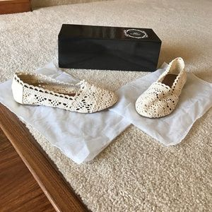 Ollio Shoes - Price Firm-NWB-Women's Breathable Crocheted Flat