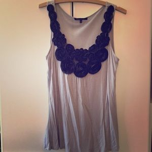 Tops - Grey tank with black rosettes