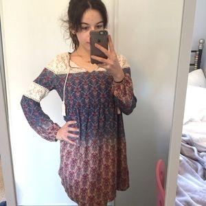 Dresses & Skirts - Boho lace dress