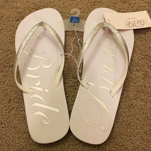 Gilligan /& O/'Malley Bride Flip Flops Silver and White Size 5//6 NWT