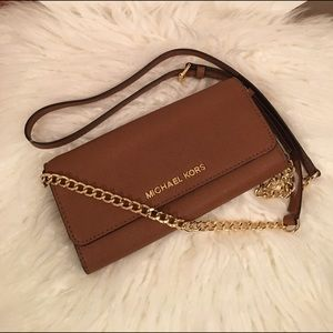 Michael Kors Handbags - Michael Kors wallet on a chain jet set