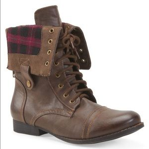 Aeropostale Shoes - Aeropostale boots size 8