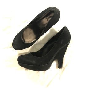 Bakers Shoes - Bakers Black Suede Wedged Round Toe Pumps