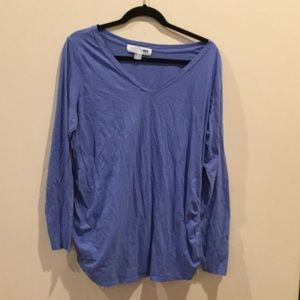 Old Navy Maternity tee size extra large