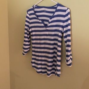 Three quarter sleeve shirt