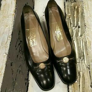 Salvatore Ferragamo Shoes - Salvatore Ferragamo classic pumps shoes heels 8B