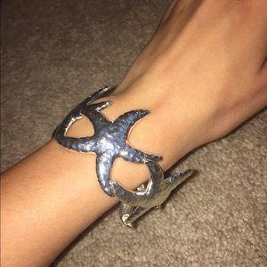 Jewelry - NWOT Silver Starfish Bracelet