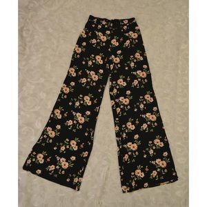 Floral print palazzo pant by forever 21 NWT