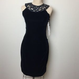 Jessica McClintock Dresses & Skirts - Jessica McClintock velvet/sequin strap back dress
