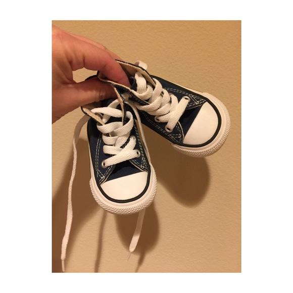 f256efec5e1f Infant Size 2 Converse All Stars Navy Like New