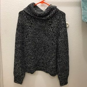 NWT KENDALL AND KYLIE SWEATER