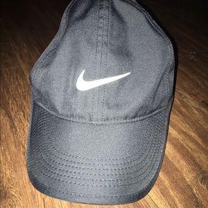 Nike Accessories - Nike DriFit Women's Running Hat