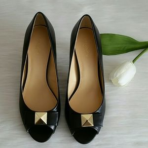 Beautiful Brand new shoes never worn  Size 8.5