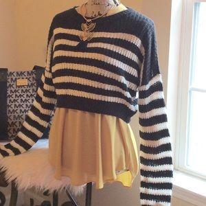 LF Sweaters - Kiwi Tucker for LF black-cream hi-low crop  NWT
