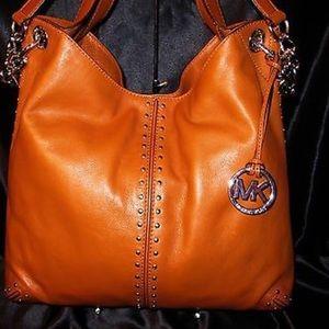 Michael Kors Handbags - *Authentic* Uptown Astor Michael Kors Astor Bag