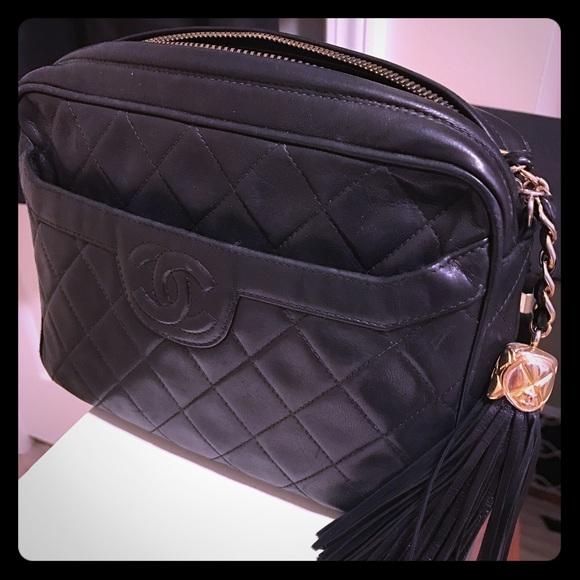 4cd1aa55278c CHANEL Handbags - Vintage Chanel Camera Bag (black w  gold hardware)