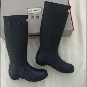 Brand new Hunter navy rain boots