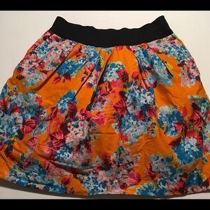 Fun Zara Basics Floral skirt w/ elastic waistband