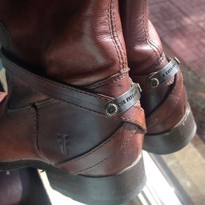 Frye Shoes - FRYE 8 Lindsay Plate Riding Boots Redwood