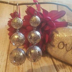 Jewelry - Silvertone Flower Design Open Dangle Balls