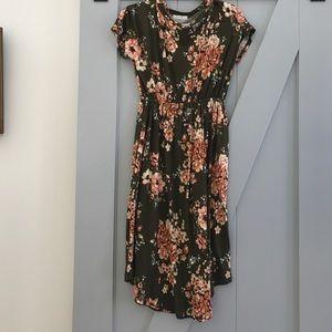 Dresses & Skirts - Green Floral dress