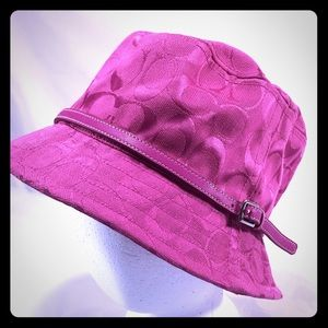 COACH Magenta Bucket Hat, NWT.