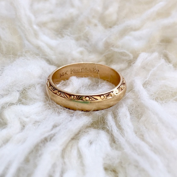Vintage Jewelry 1930s Solid 14k Gold Keepsake Wedding Band Ring