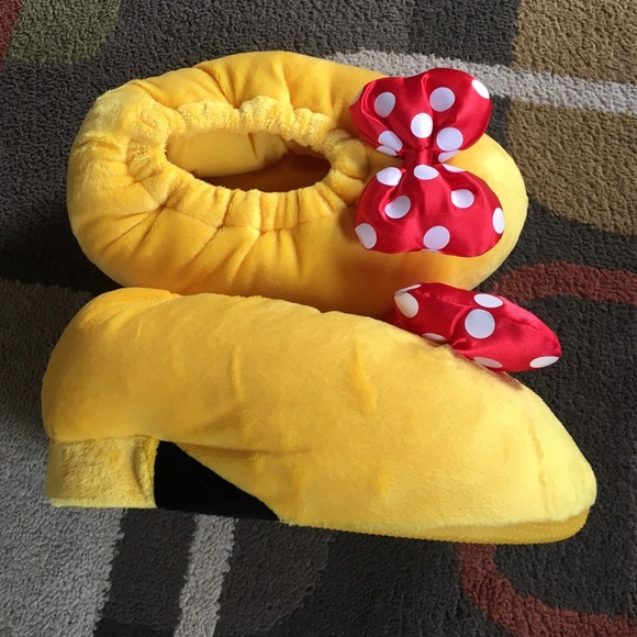 Disney Minnie Mouse Slippers   Poshmark