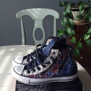 Converse Shoes - Adorable high top, plaid, zip up Converse ⭐️NWOT⭐️