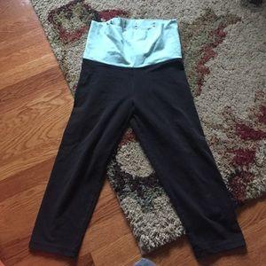 PINK cropped yoga pants