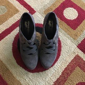 Donald J. Pliner Shoes - Donald J Pliner Size 6.5
