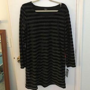 Onyx Dresses & Skirts - NWT Onyx Nite long sleeve black and metallic dress