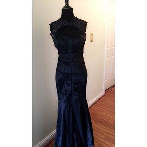 Xscape Dresses & Skirts - XSCAPE prom dress 👗 size 10