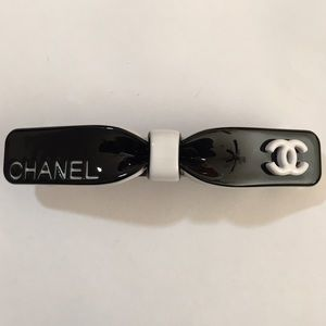 CHANEL Other - CHANEL BARRETTE