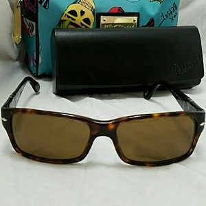 Persol Other - PERSOL Polarized Tortoise Brown Sunglasses & Case