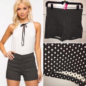 a'gaci Pants - 🆕 Black and White Shorts