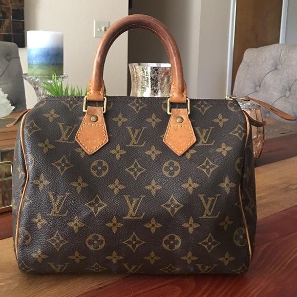 3b2960b210b9 Louis Vuitton Handbags - 💥SALE💥AUTHENTIC LOUIS VUITTON SPEEDY 25