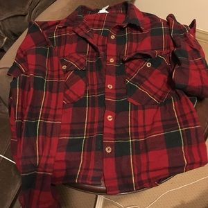Forever 21 Tops - Cropped plaid red and black flannel size small
