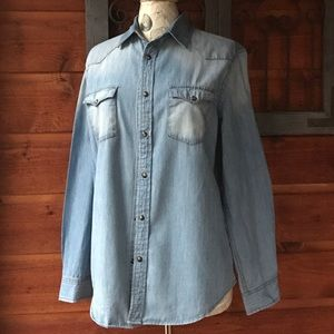 Mossimo Supply Co. Tops - Mossimo denim shirt snap buttons size medium