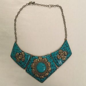 Forever 21 Jewelry - Faux Stone Statement Necklace