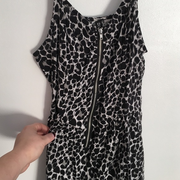 H&M Dresses - Zipper Front Leopard Skater Dress